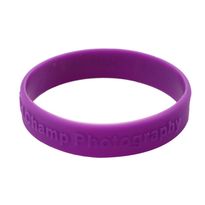 Skyee Promotional gift embossed printed silicone wristband rubber bracelet wholesales